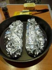 Рецепта за Свински пържоли с топено сирене стъпка 4