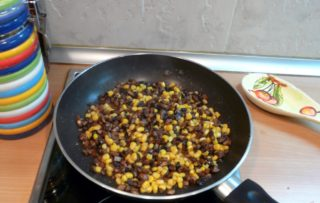 Рецепта за Гъби с царевица в масло стъпка 3