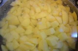 Рецепта за Картофена крем супа стъпка 2