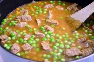 Рецепта за Грах с телешко месо стъпка 3