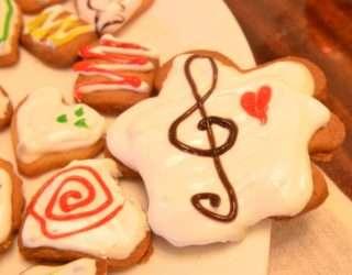 Рецепта за Коледни сладки стъпка 6