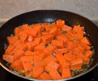 Рецепта за Ципура на фурна със сладки картофи соте стъпка 3