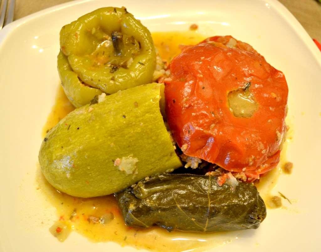 Долма - пълнени зеленчуци с месо