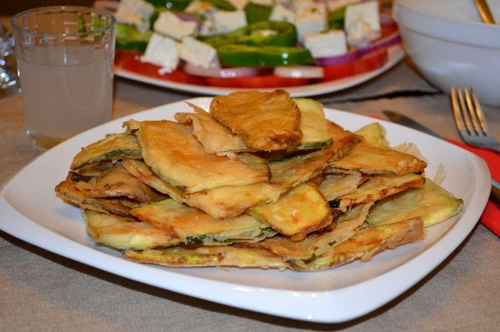 Пържени тиквички по гръцки
