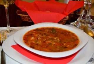 Рибена чорба от сьомга с домати