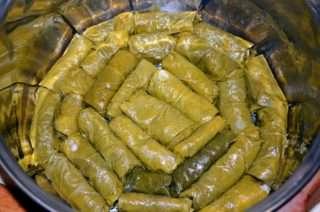 Рецепта за Арменски постни лозови сарми стъпка 8