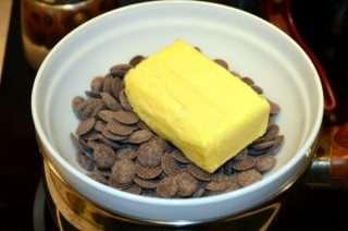 Рецепта за Шоколадови бисквити стъпка 1