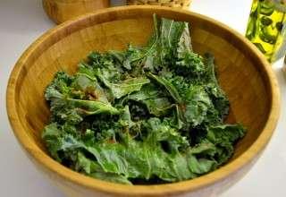 Рецепта за Чипс от къдраво зеле (кейл) стъпка 2