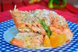 Рецепта за Сьомга на фурна с хрян, мандарина и розмарин стъпка 3