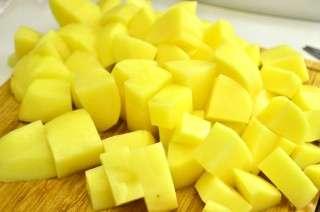 Рецепта за Картофи с чоризо на фурна стъпка 2