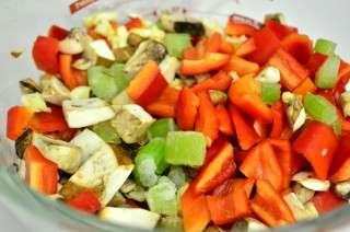 Рецепта за Макарони със зеленчуци и сирене стъпка 2