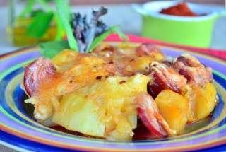 Картофи с чоризо на фурна