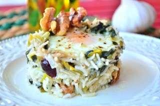Спанак с ориз и яйца на фурна