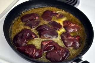 Рецепта за Пастет от пилешки дробчета стъпка 3