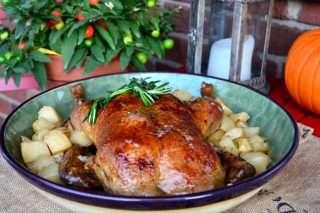 Рецепта за Печена патица с картофи и розмарин стъпка 6